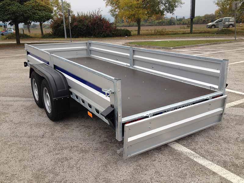 Brzdený 4-metrový dvojnápravový vozík (1 ks)